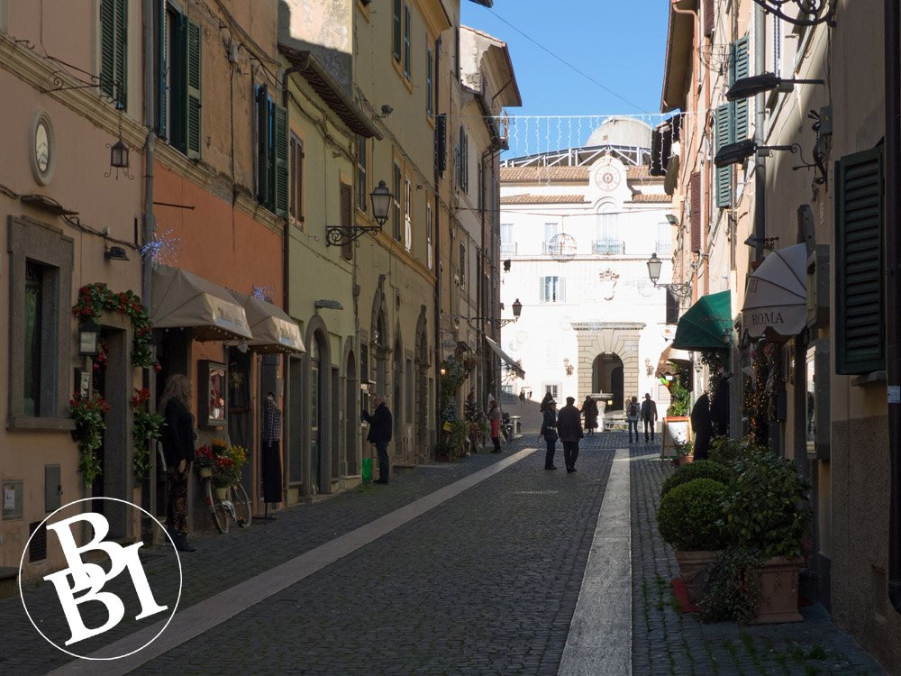Old street, with Papal Palace at the end