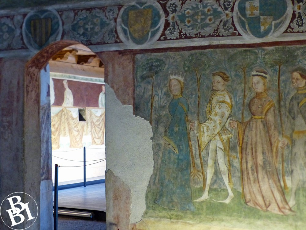 Frescoes with figures of people
