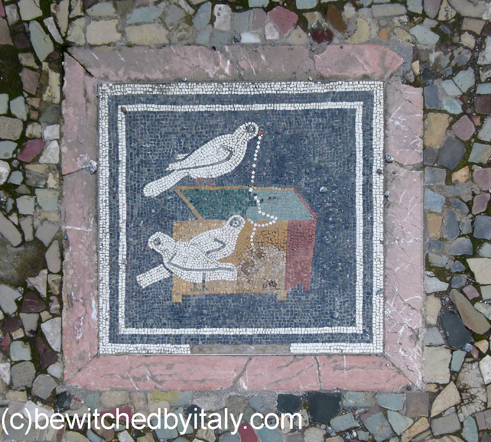 Mosaic showing birds and jewels