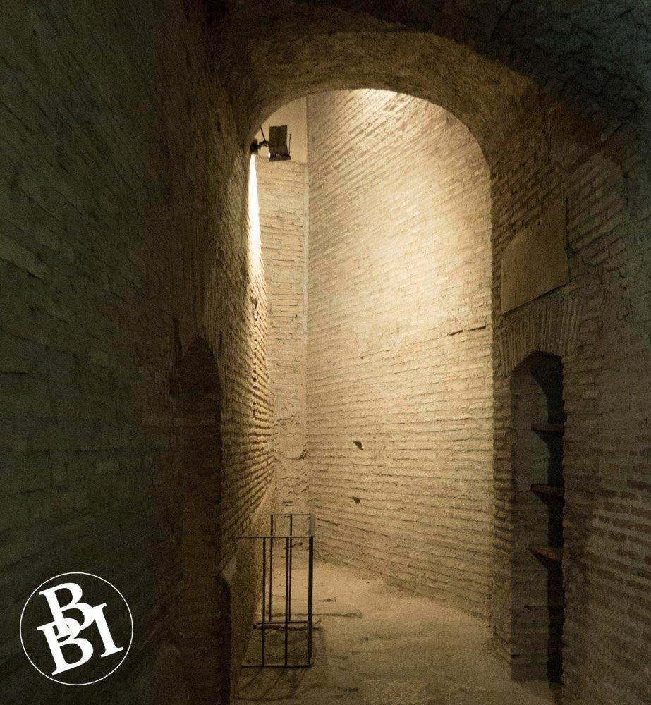 Roman passageway with an arch