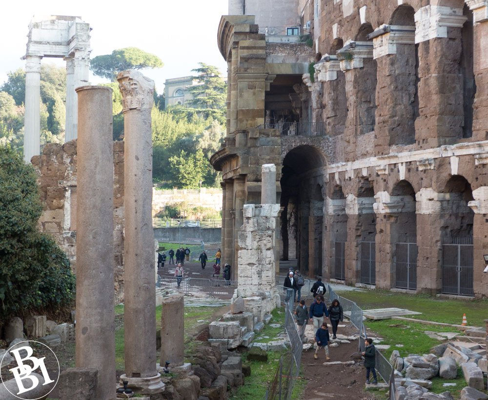 Roman pillars in front of a double row of arches at the Teatro di Marcello