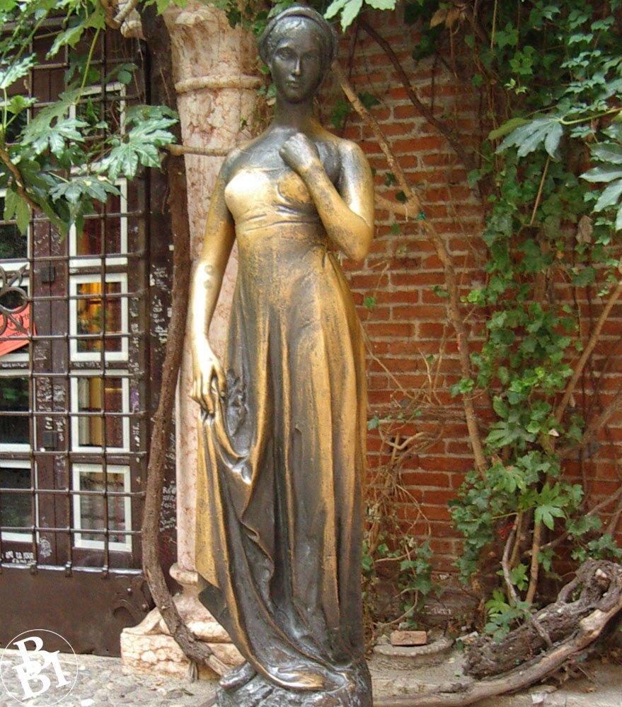 Bronze statue of Juliet