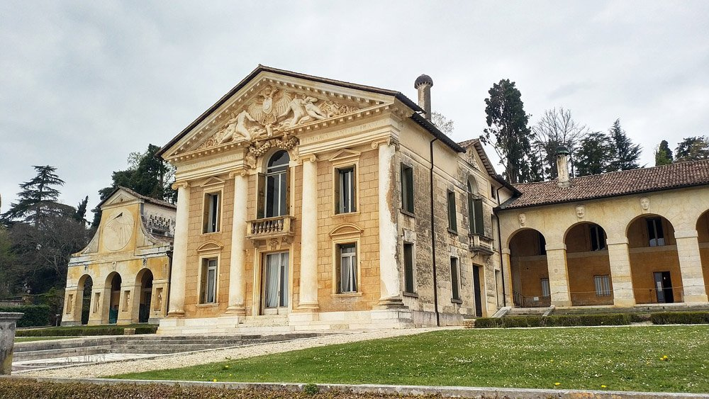 Exterior of the Villa Maser, a Palladian building with columns and arches